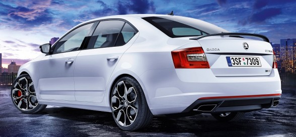 New ŠKODA Octavia vRS 230 hits the tarmac running